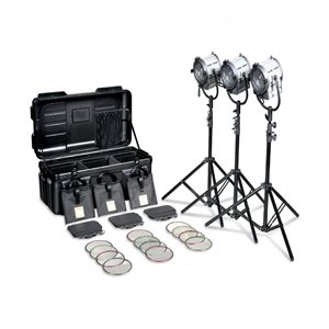 FRESNEL 3x 650W JUNIOR 3 KIT, B-DOORS, WIRES, F / FRAME, STANDS AND FLIGHT CASE.